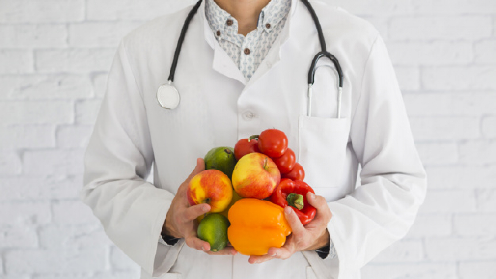 close-up-male-doctor-s-hand-holding-fresh-produce-healthy-fruit-vegetable_23-2147855415